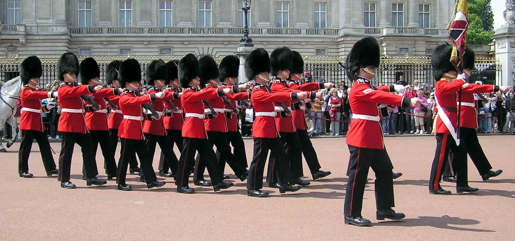 Buckingham Palace Changing Of The Guard Times