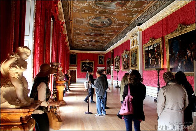 Tourist Kings Gallery Kensington Palace